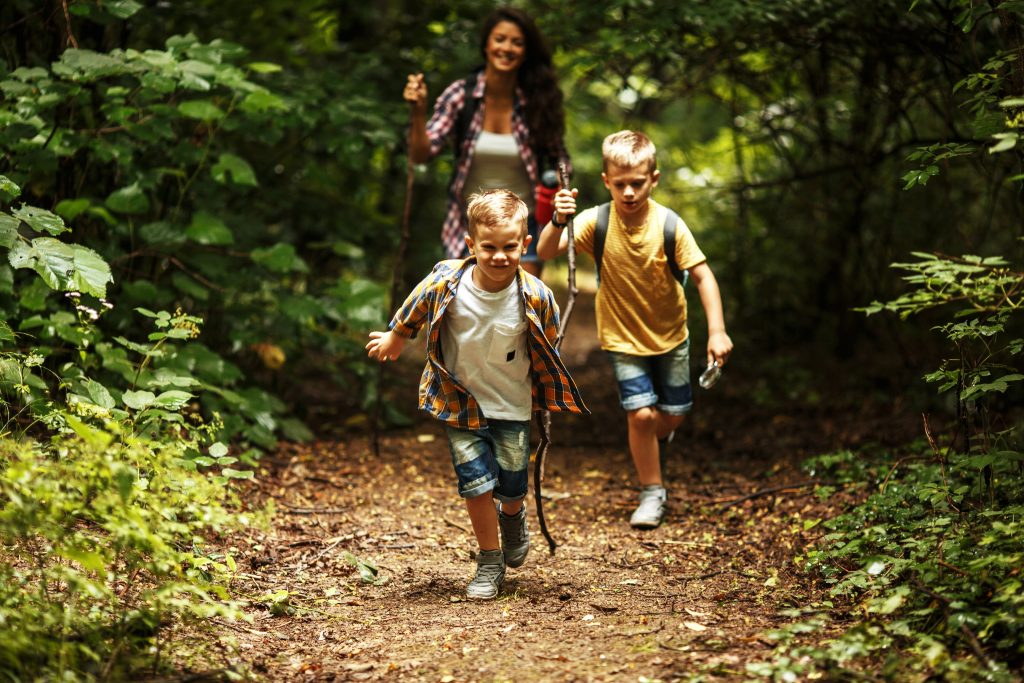 Six Simple Tips for Hiking with Kids