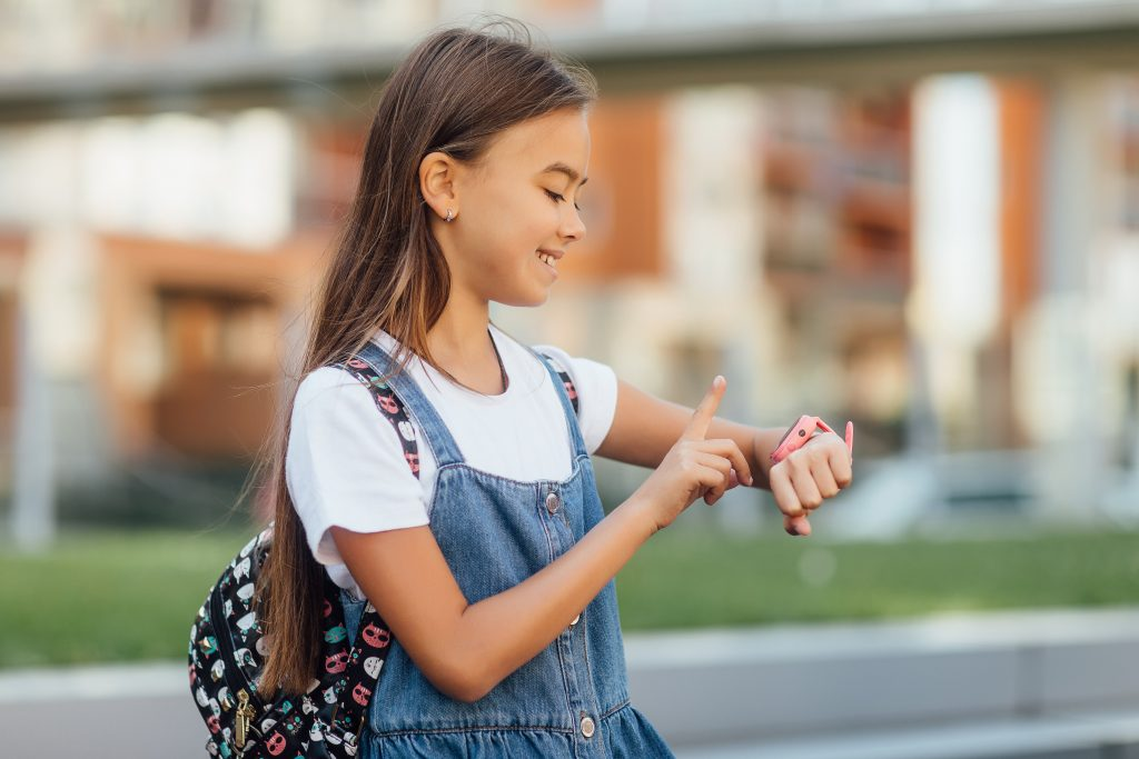 Should My Child Have a Smartwatch for Kids?