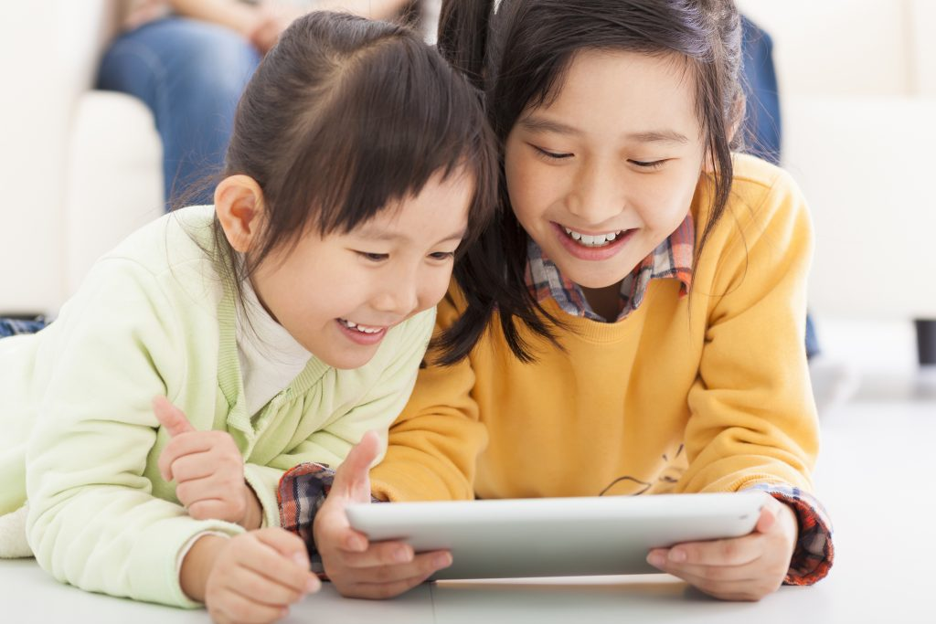 When to Introduce a Tablet to a Child